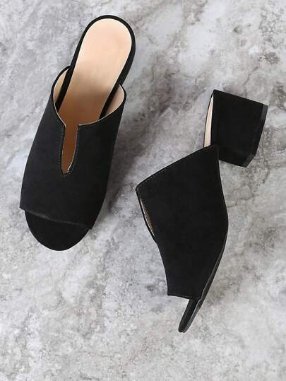 Peep Toe Mule Heel with V Cut Detail BLACK