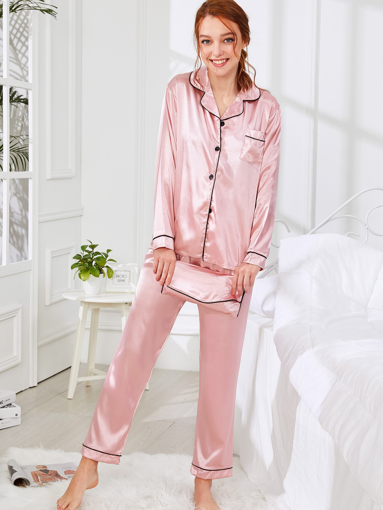 Contrast Binding Satin Pajama Set With Wallet цена и фото