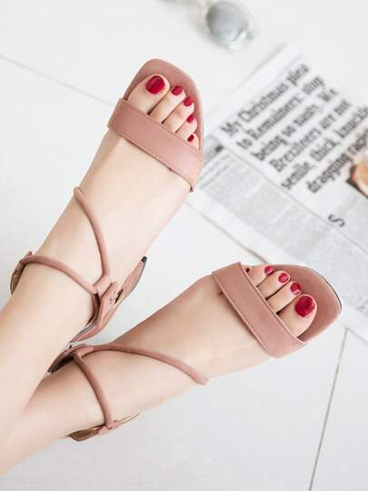 Romwe / Strappy Chunky Heeled Sandals