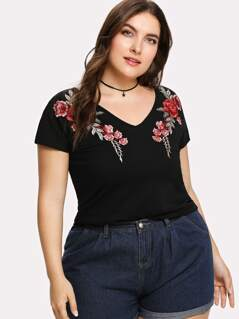 Plus Embroidered Rose Applique T-shirt