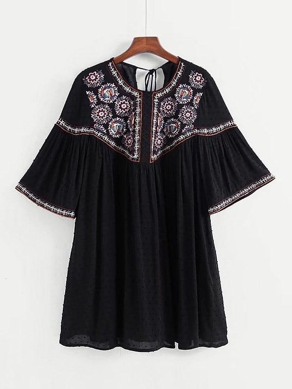 все цены на Tassel Tie Back Embroidery Dress