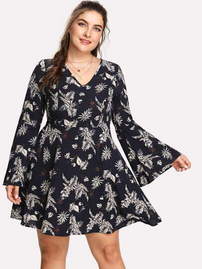 Trumpet Sleeve Tropical Leaf Print Dress