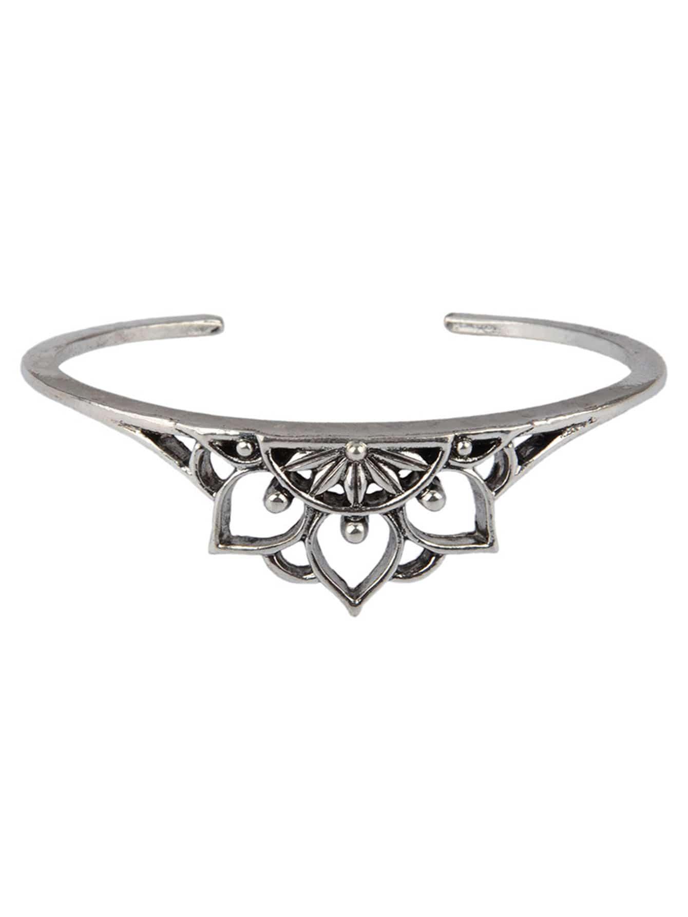 Armband mit ausgehöhltem Lotus