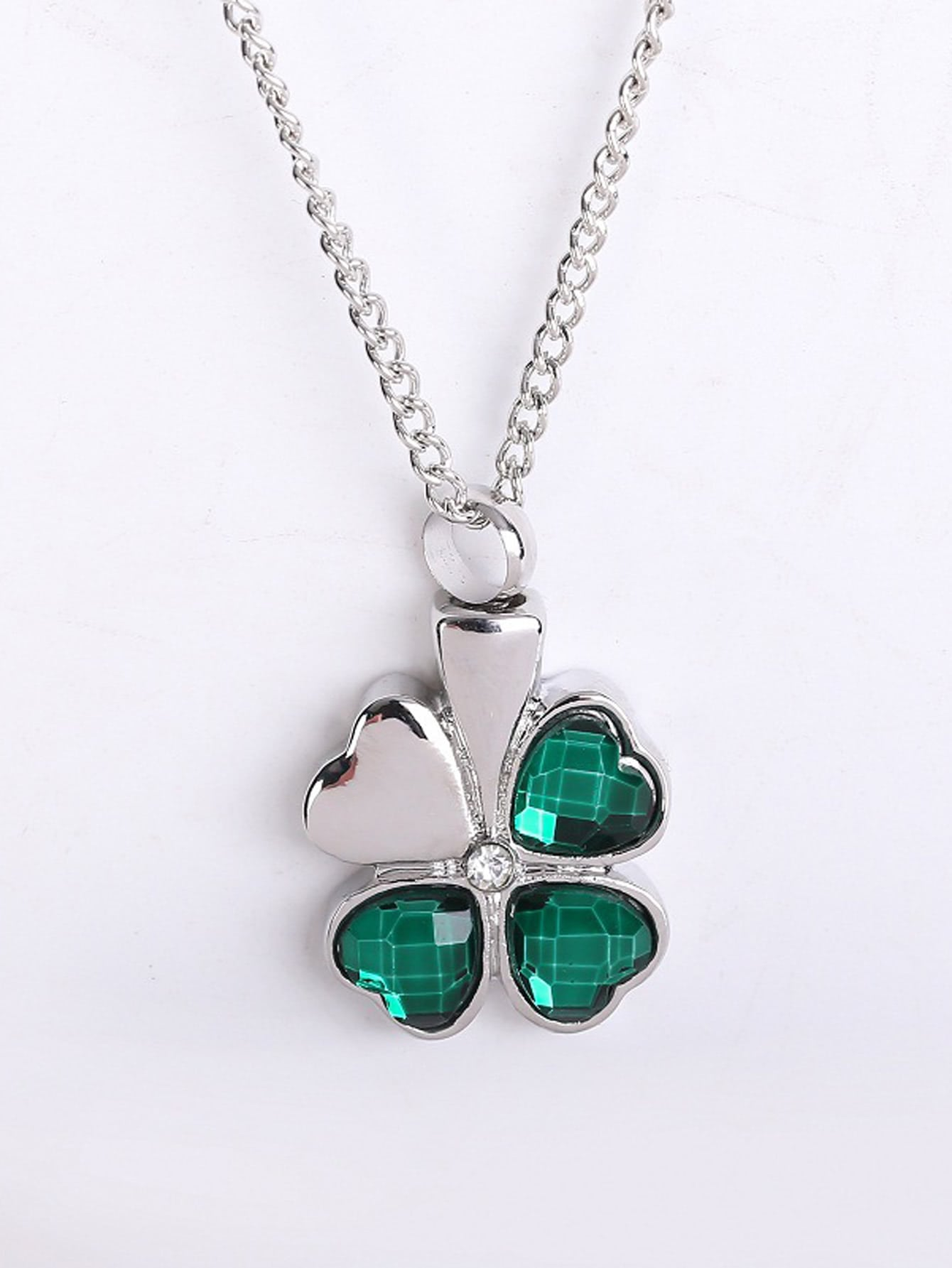Four leaf clover pendant necklace emmacloth women fast fashion online four leaf clover pendant necklace pictures aloadofball Image collections