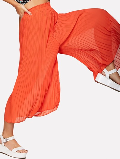 Red Elastic Waist Pleated Pants