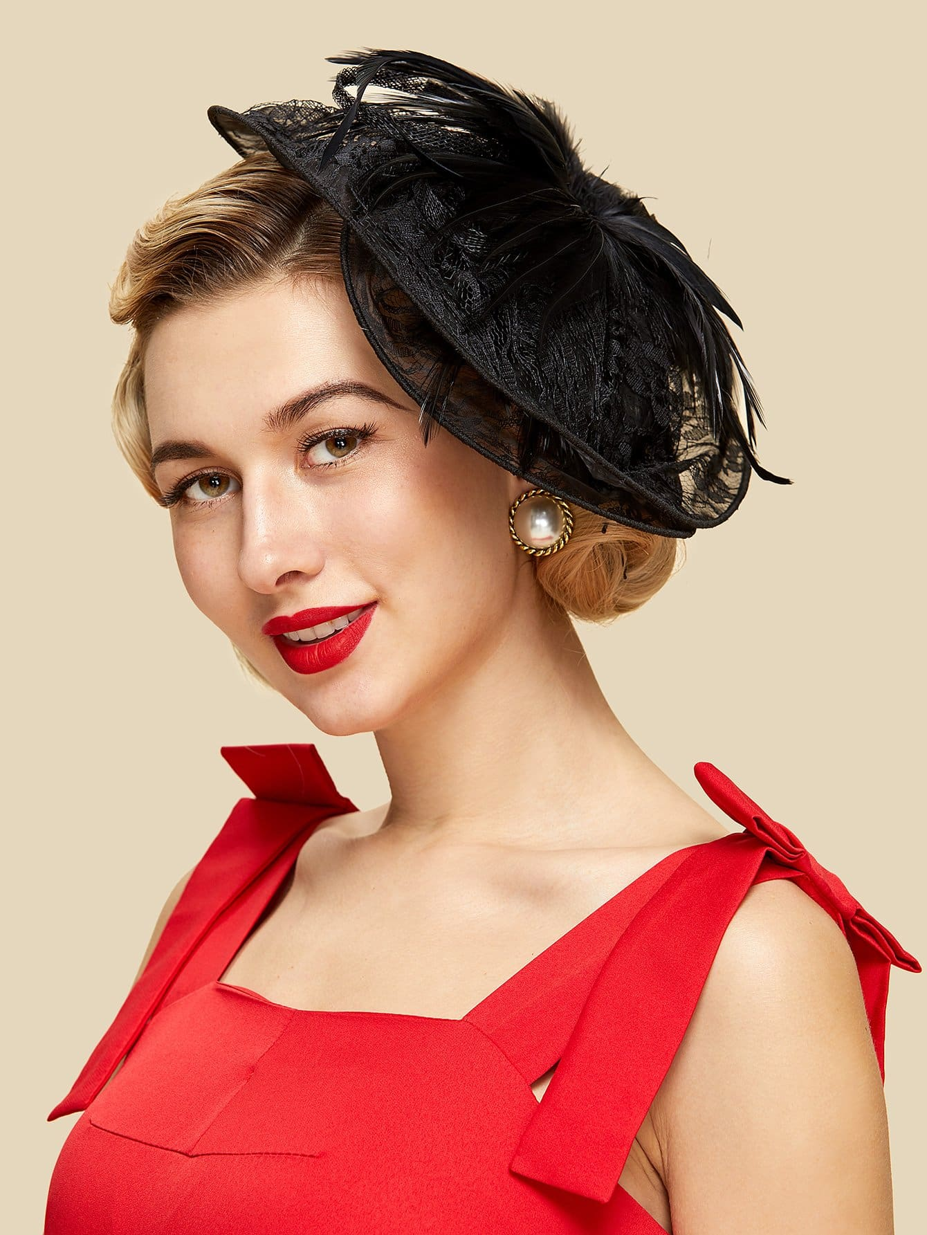 Фото Lace Design Fascinator Hat With Feather