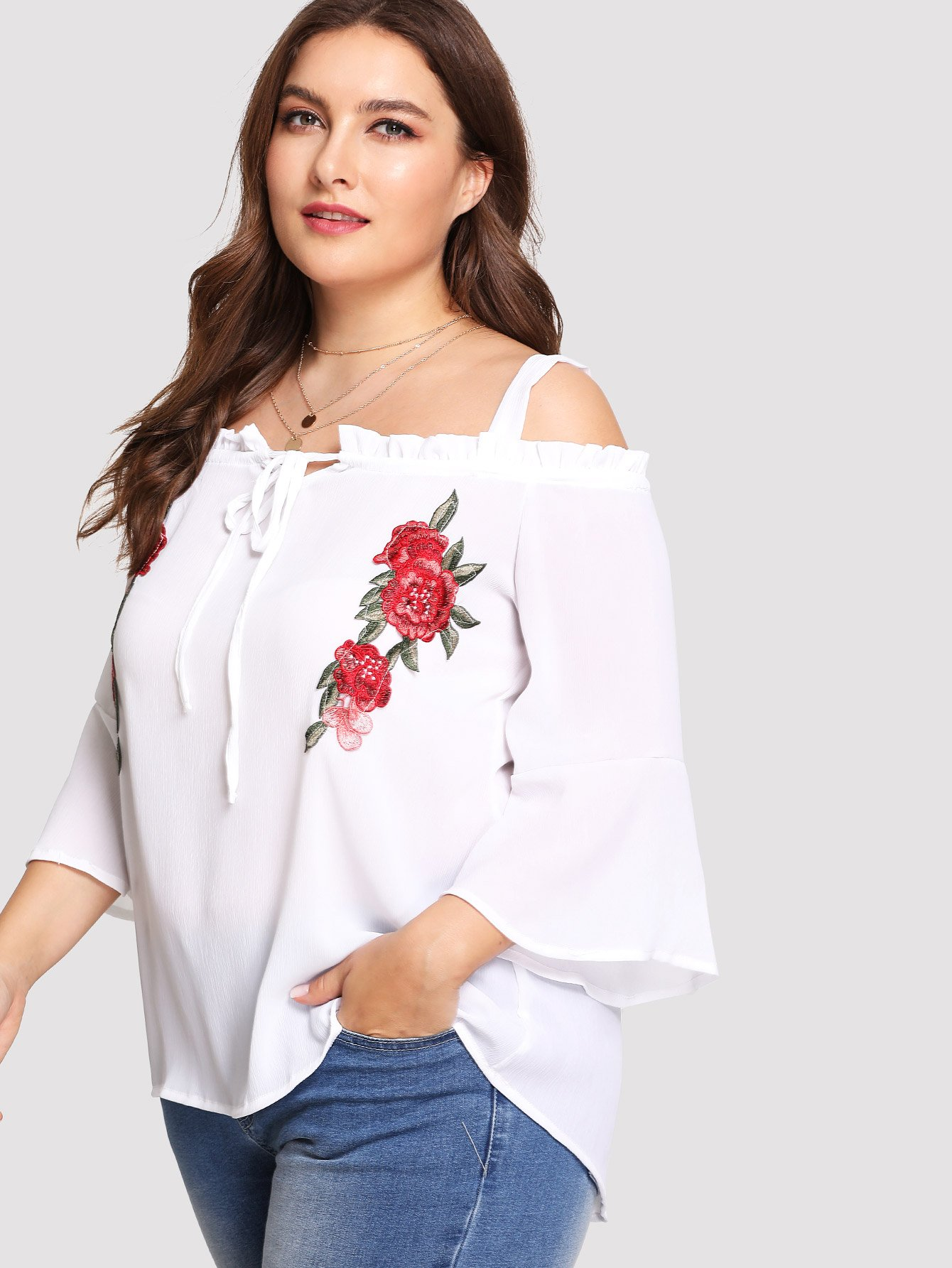 цена на Plus Embroidered Flower Applique Bell Sleeve Cold Shoulder Top