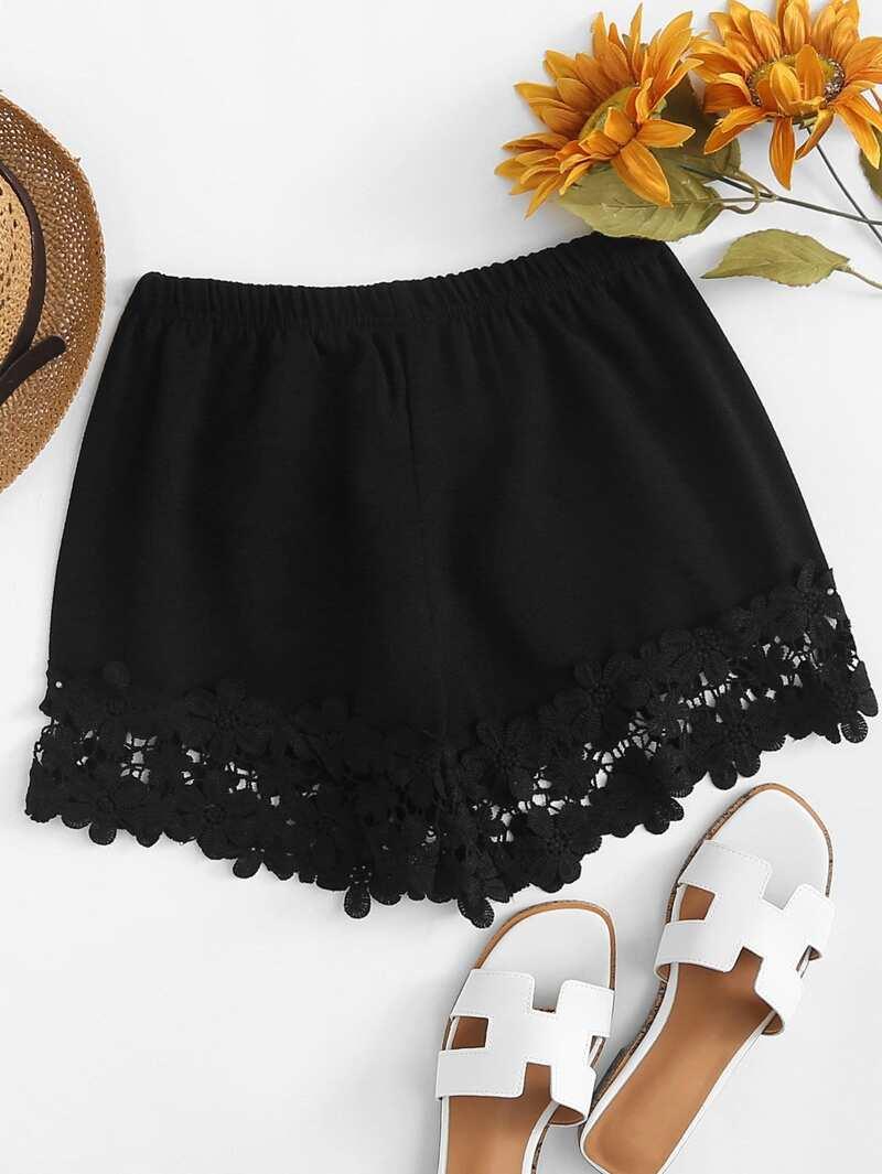 Elastic Waist Lace Hem Shorts, Black