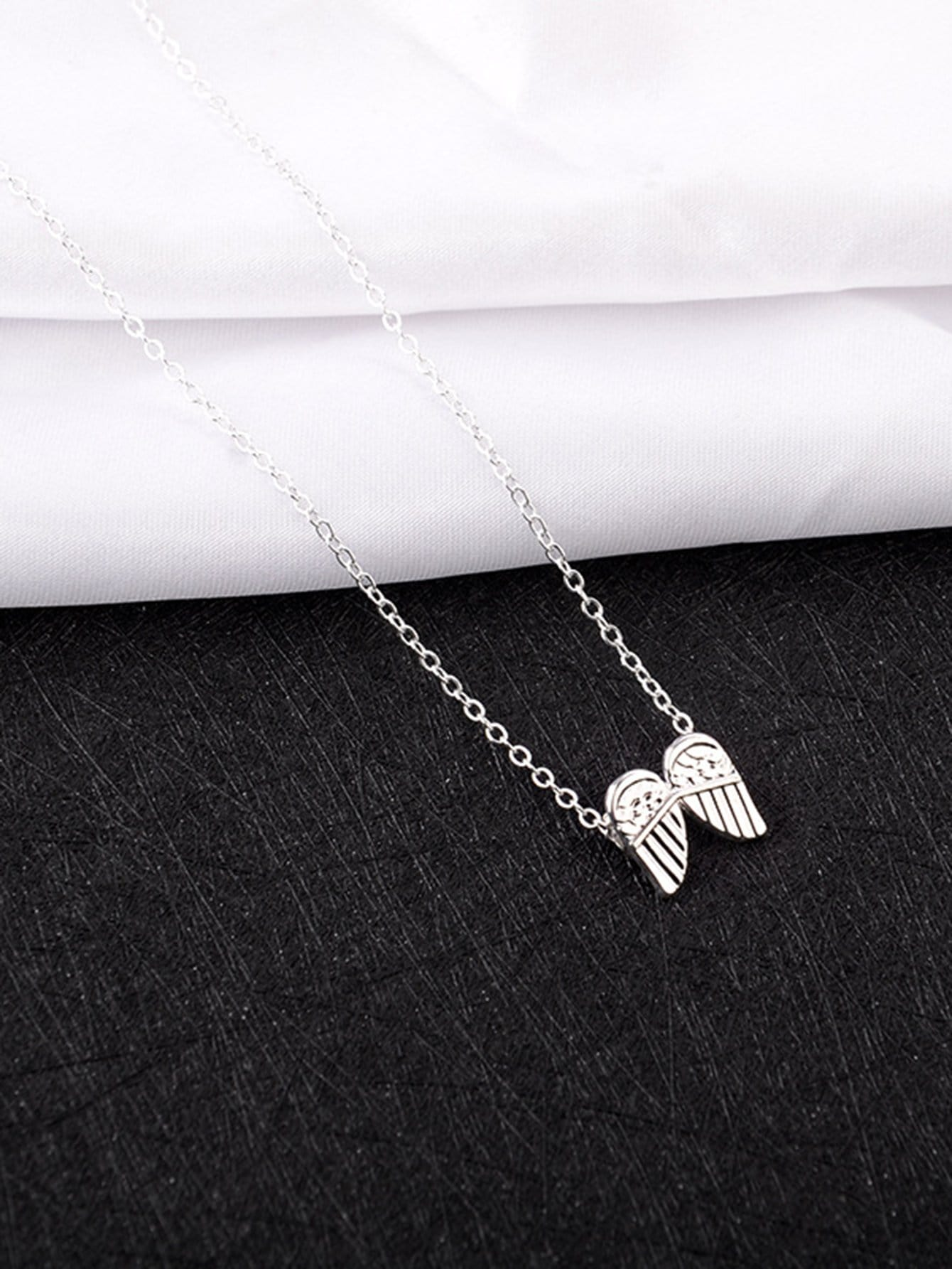 Wing Design Chain Necklace