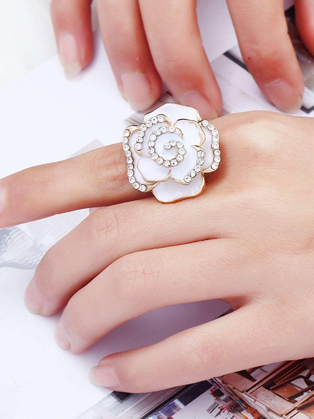 Flower Design Rhinestone Ring rhinestone hollowed flower ring