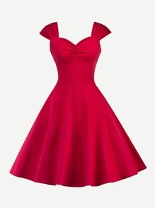 Sweetheart Neck Pleated Dress