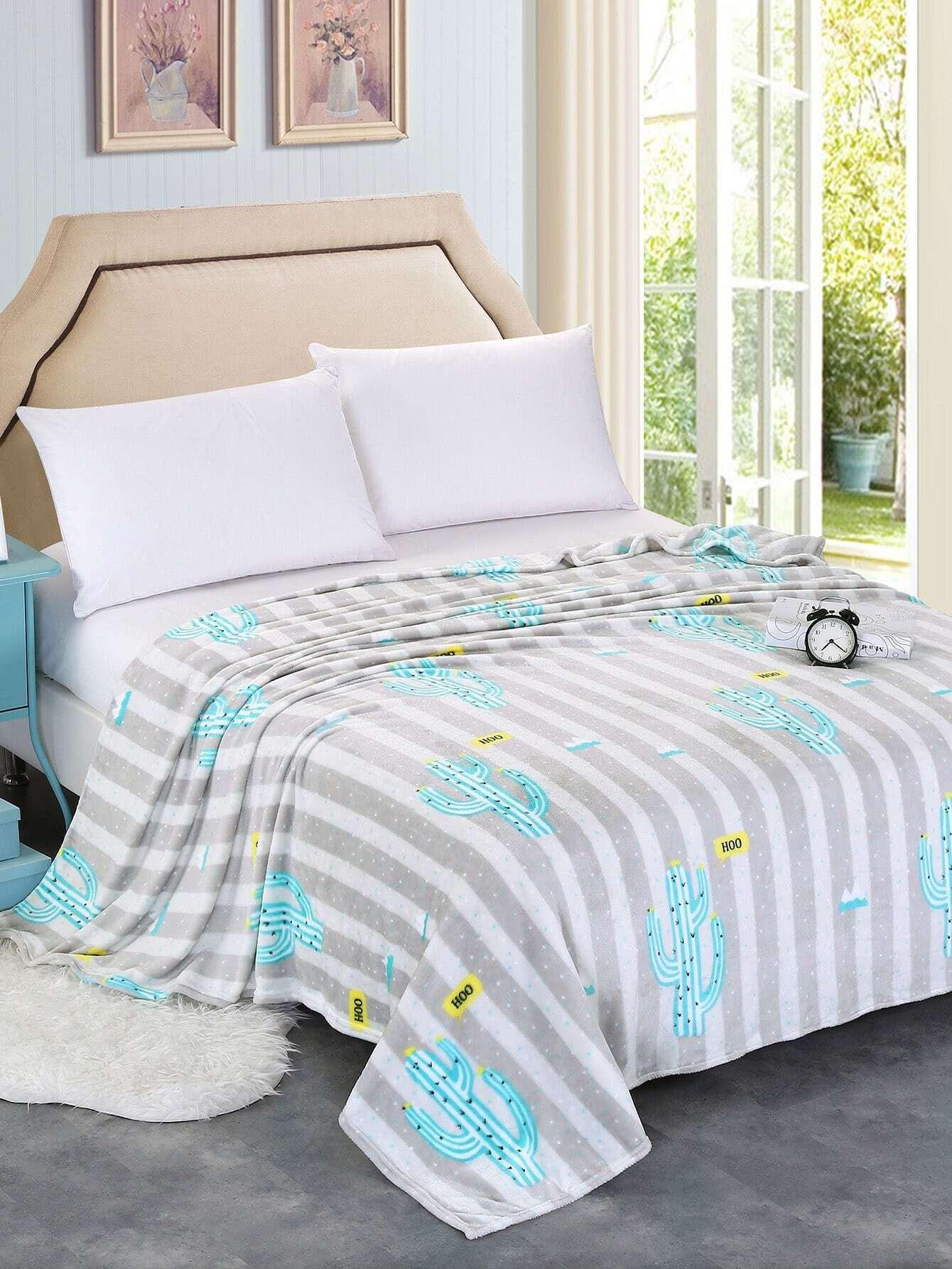 Contrast Stripe Cactus Pattern Plush Blanket все цены