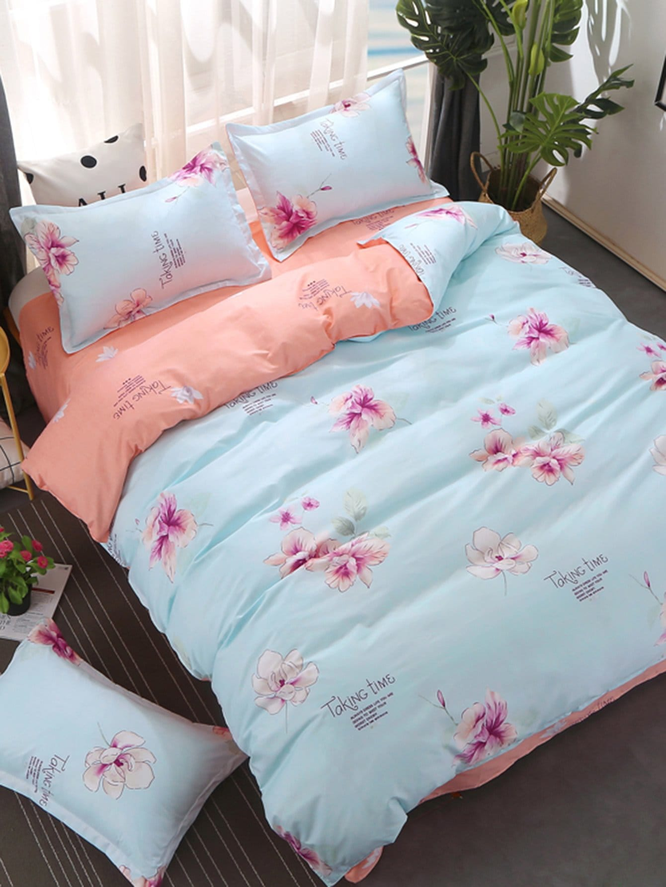 Flower & Letter Print Bedding Set letter print two tone bedding set