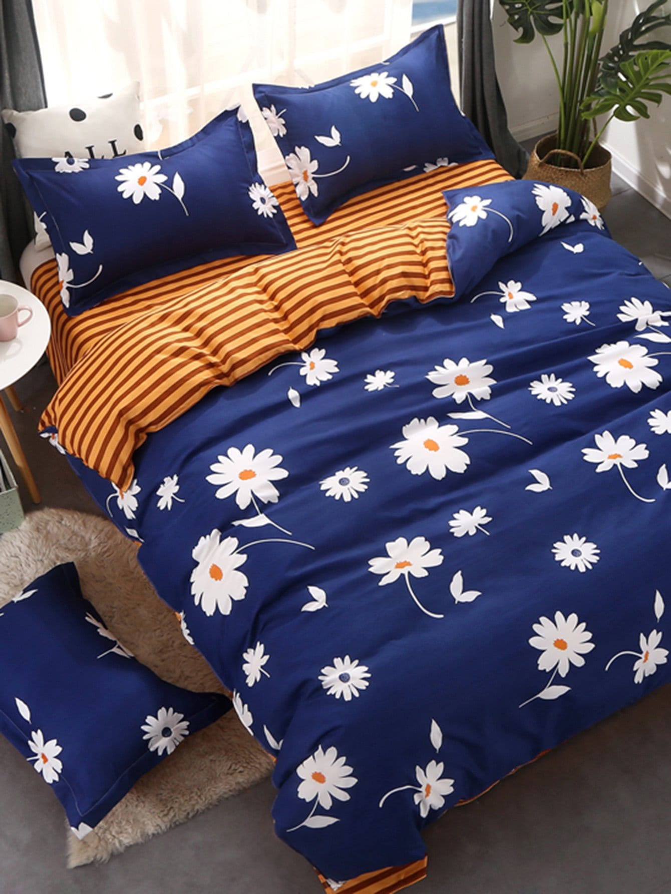 Flower & Striped Print Bedding Set vertical striped bedding set