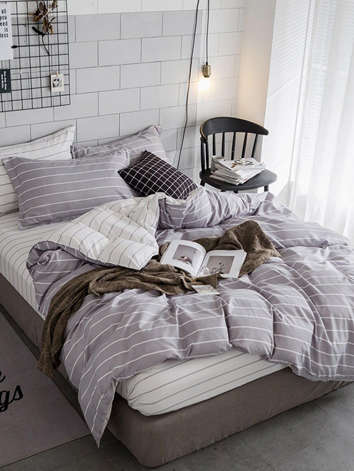 Комплект полосатого постельного белья