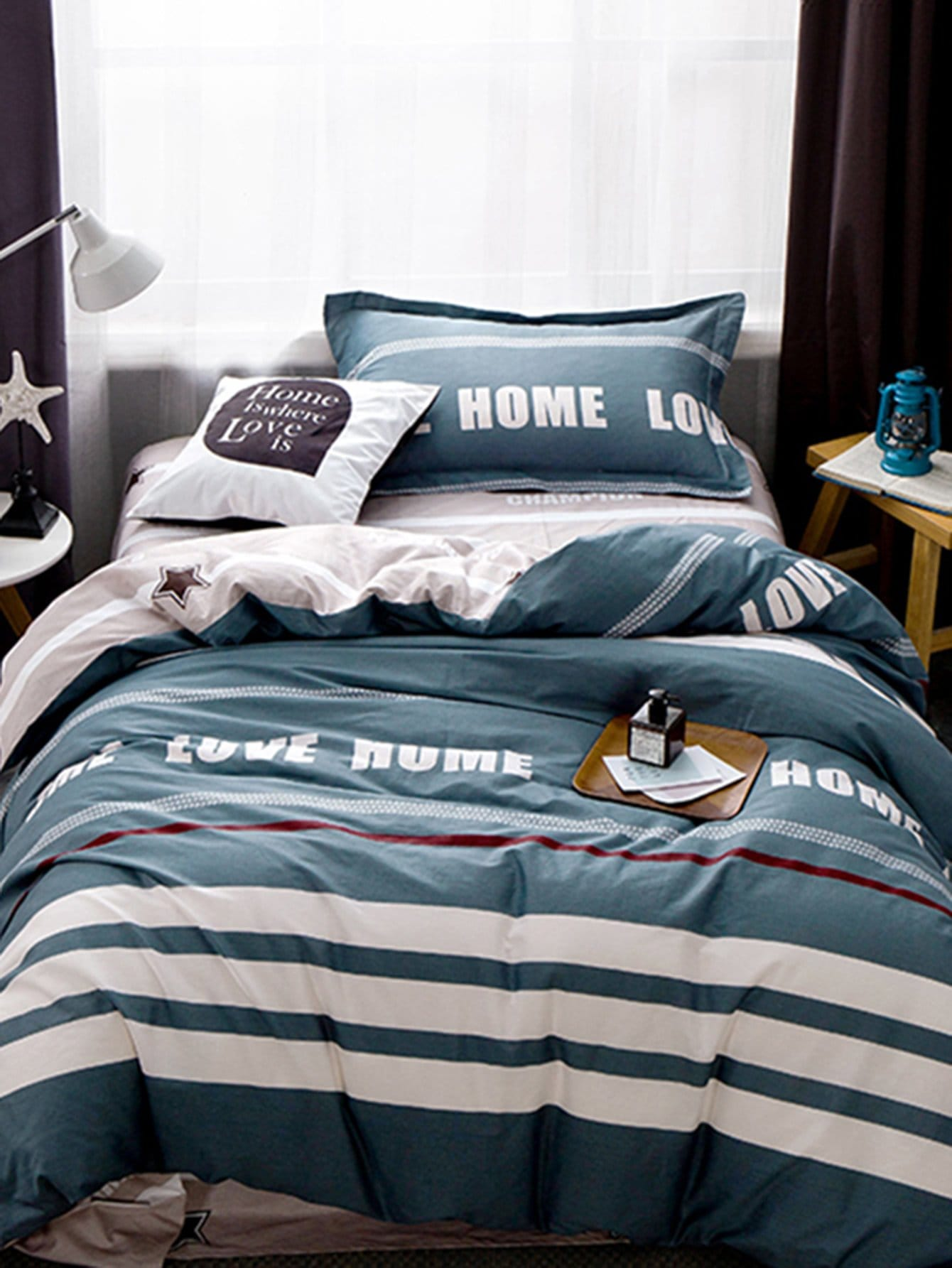 Contrast Striped Letter Print Bedding Set vertical striped bedding set