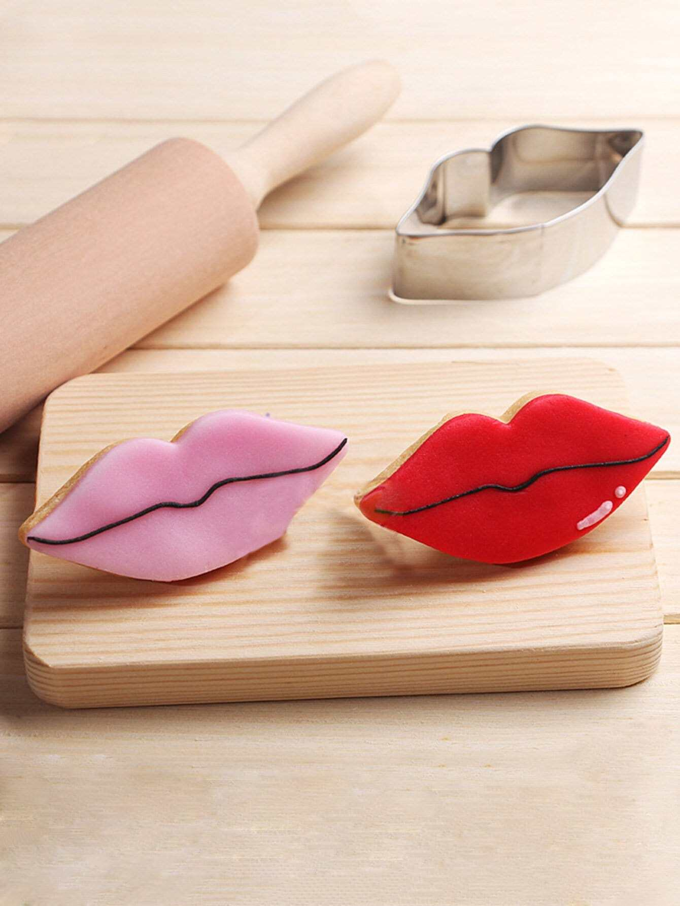 Stainless Steel Cookie Cutter Lip Mold 1pc household product plastic dustbin mold makers