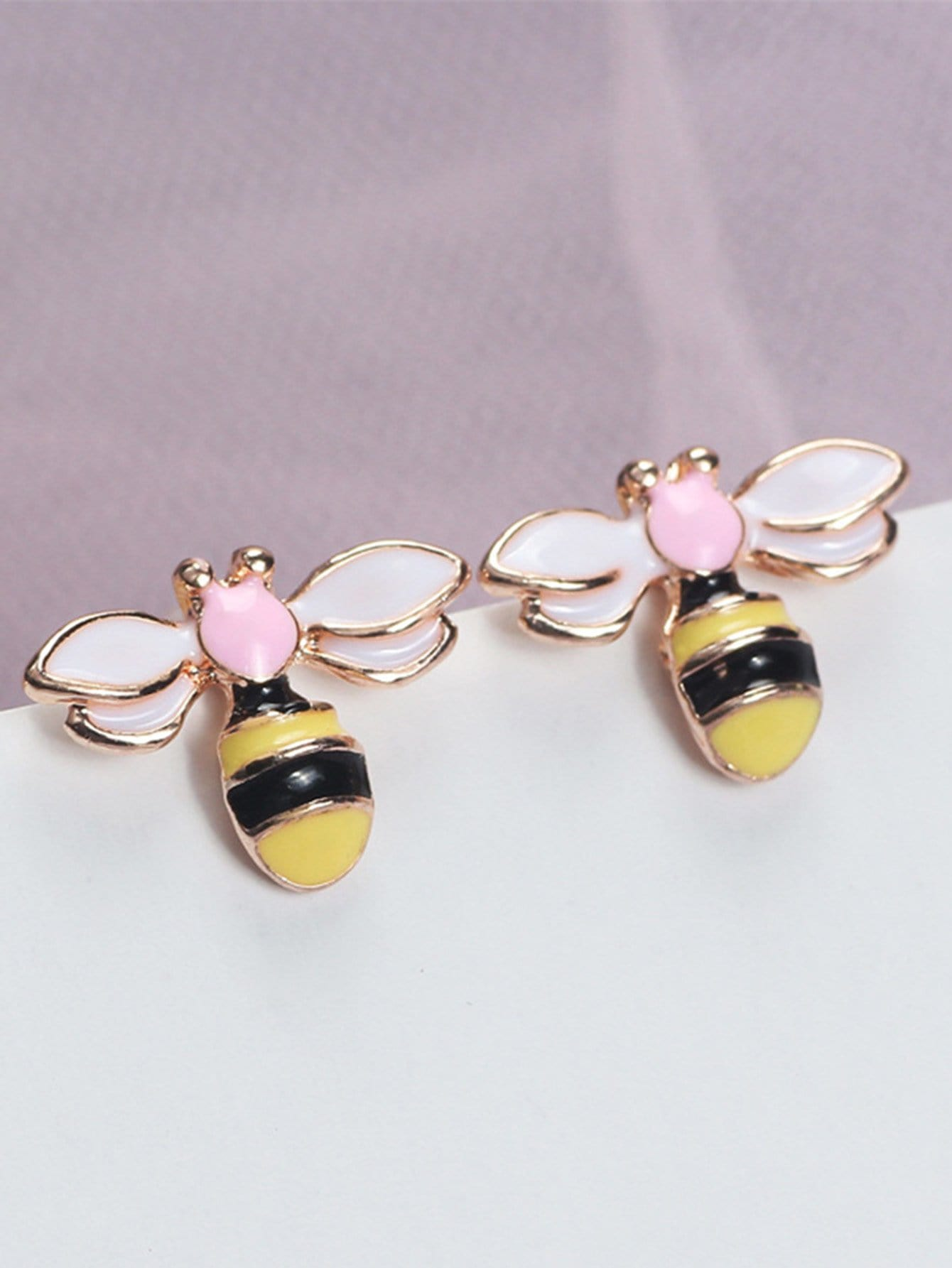 Серьги гвоздики пчелы