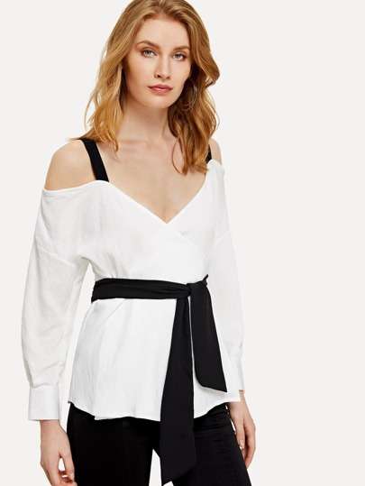 Contrast Strap Knotted Wrap Top