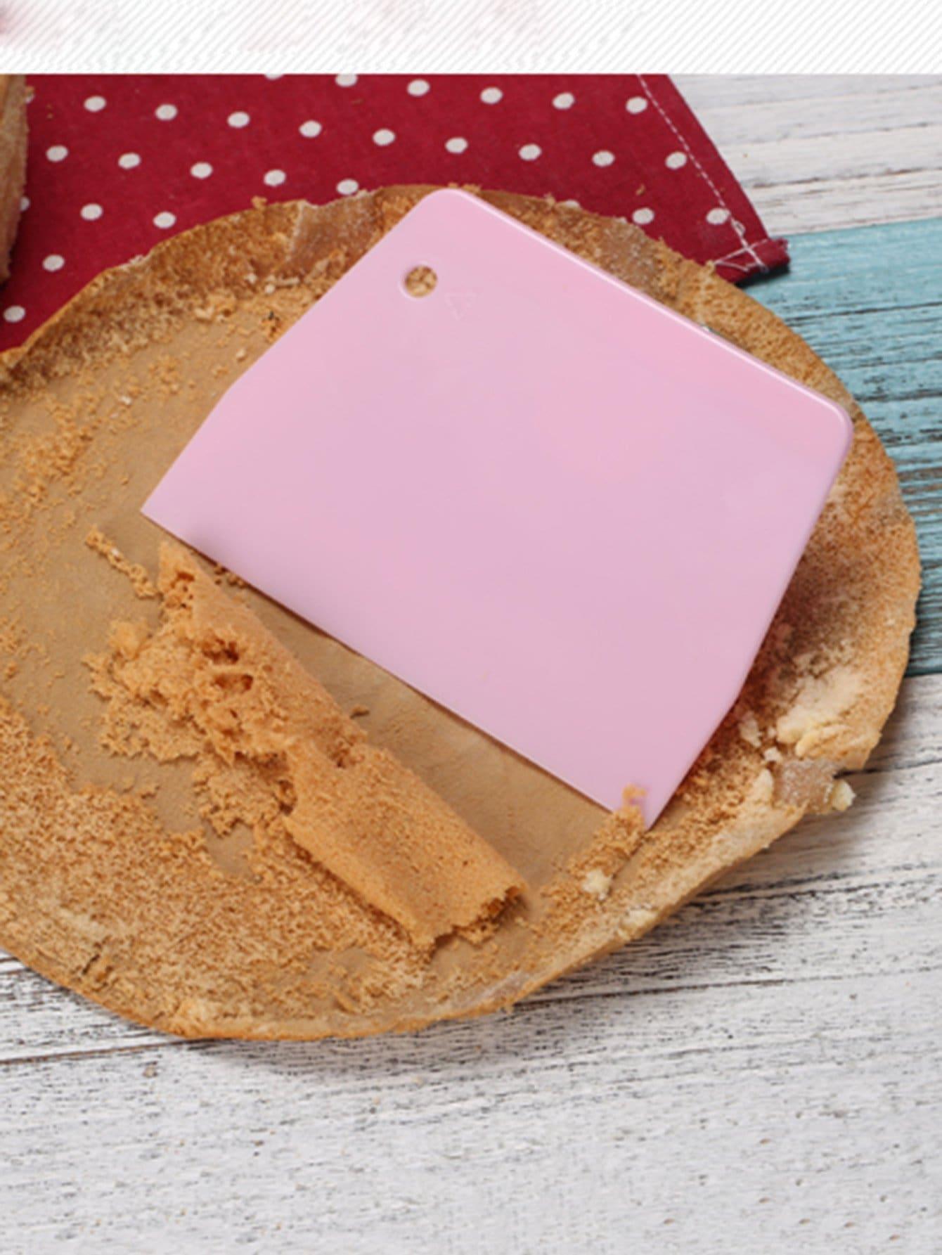 цены Plastic Pastry Scraper