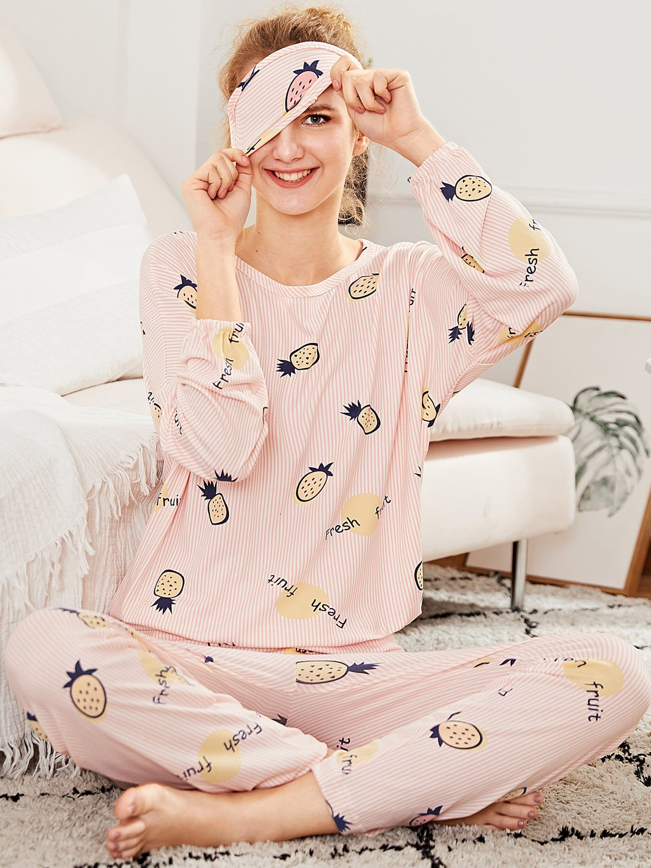 Pineapple Print Pajama Set With Eye Mask цена и фото