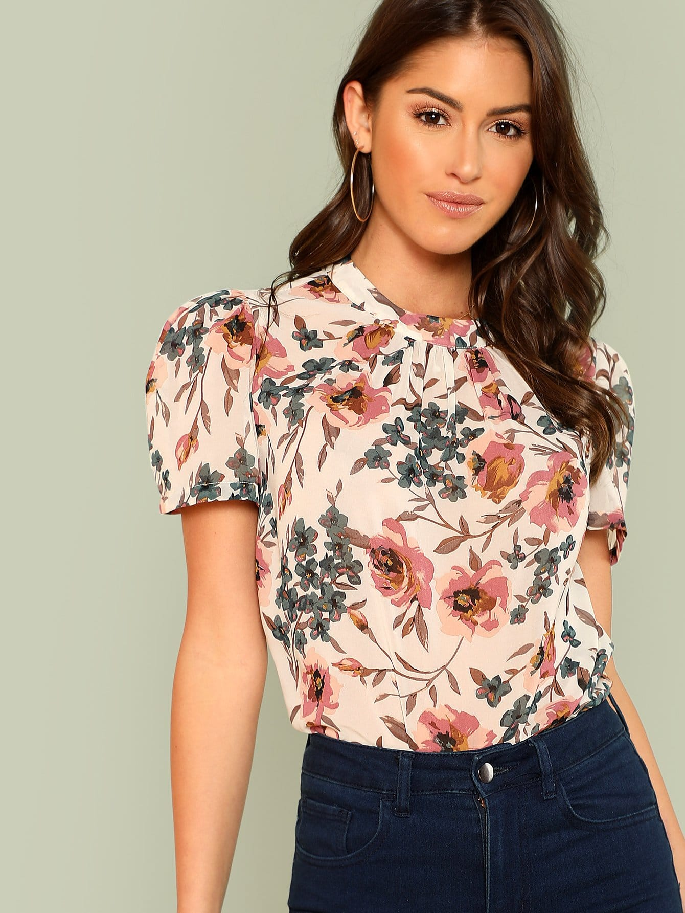Gathered Neck Puff Sleeve Floral Top floral print puff sleeve fit
