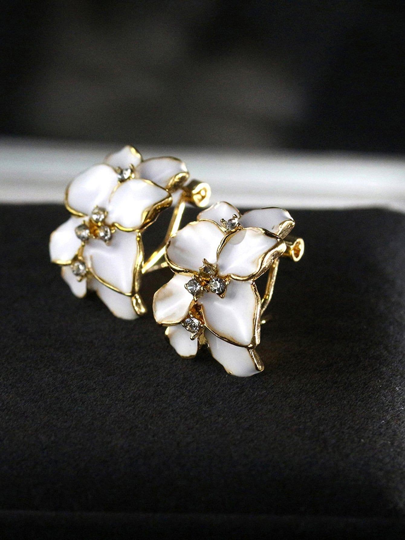 Flower Shape Clip On Earrings