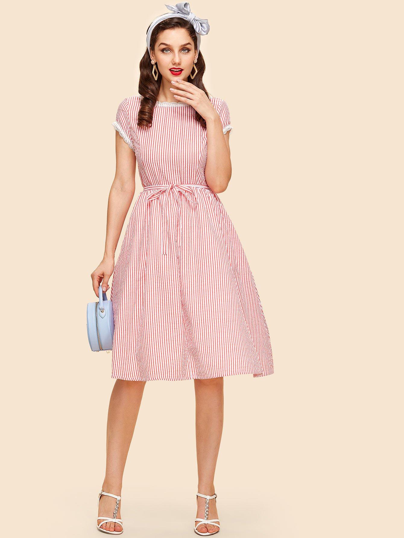 Купить Платье с полосками и кружевами и поясом, Julie H., SheIn