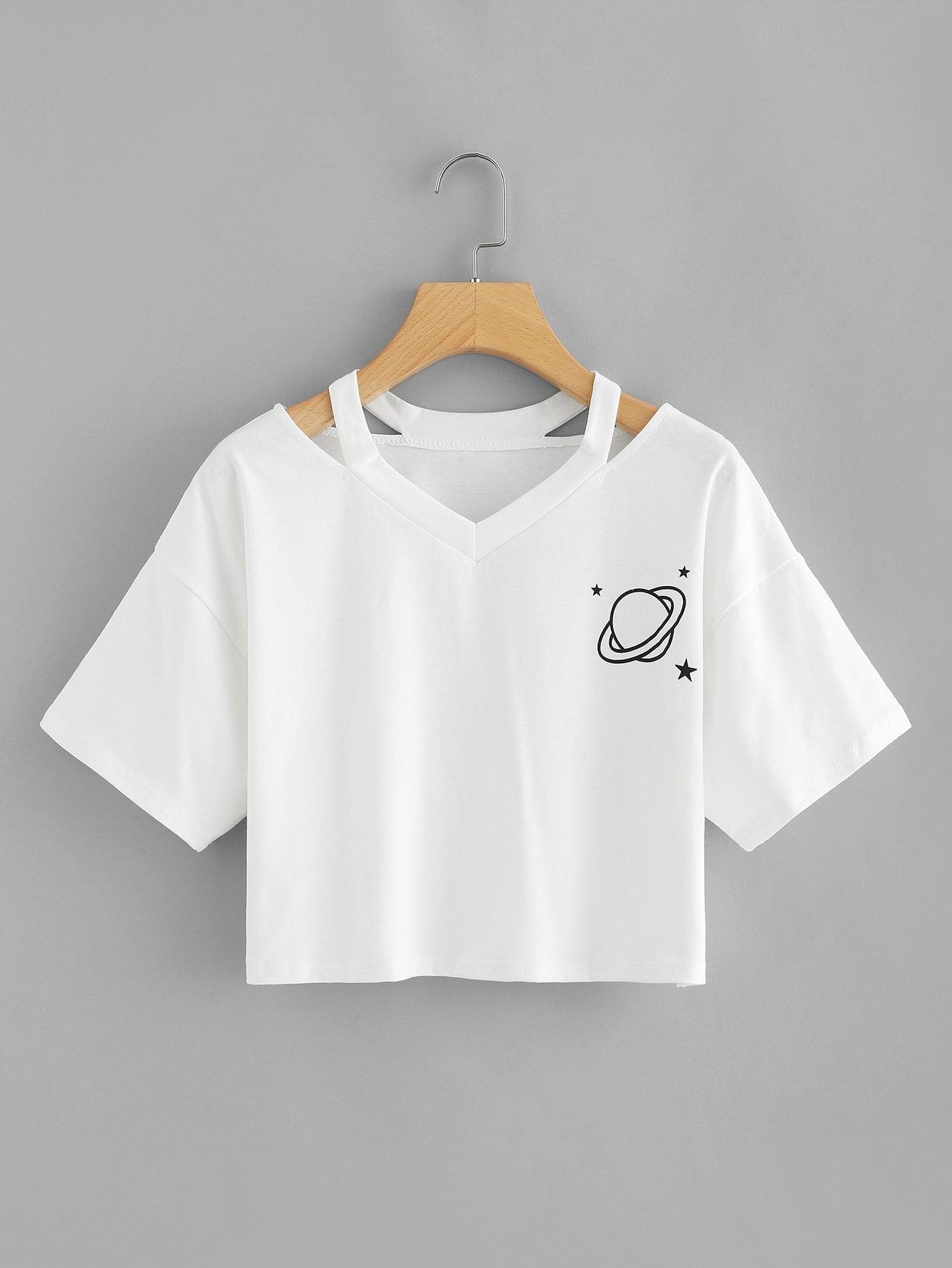 Crop T-Shirt mit Cut Out auf dem Ausschnitt und Planetmuster