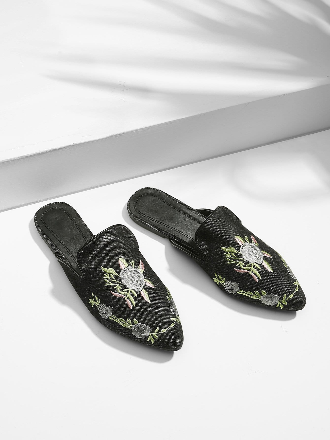 Denim Flower Embroidered Flats vintage women flats old beijing mary jane casual flower embroidered cloth soft canvas dance ballet shoes woman zapatos de mujer