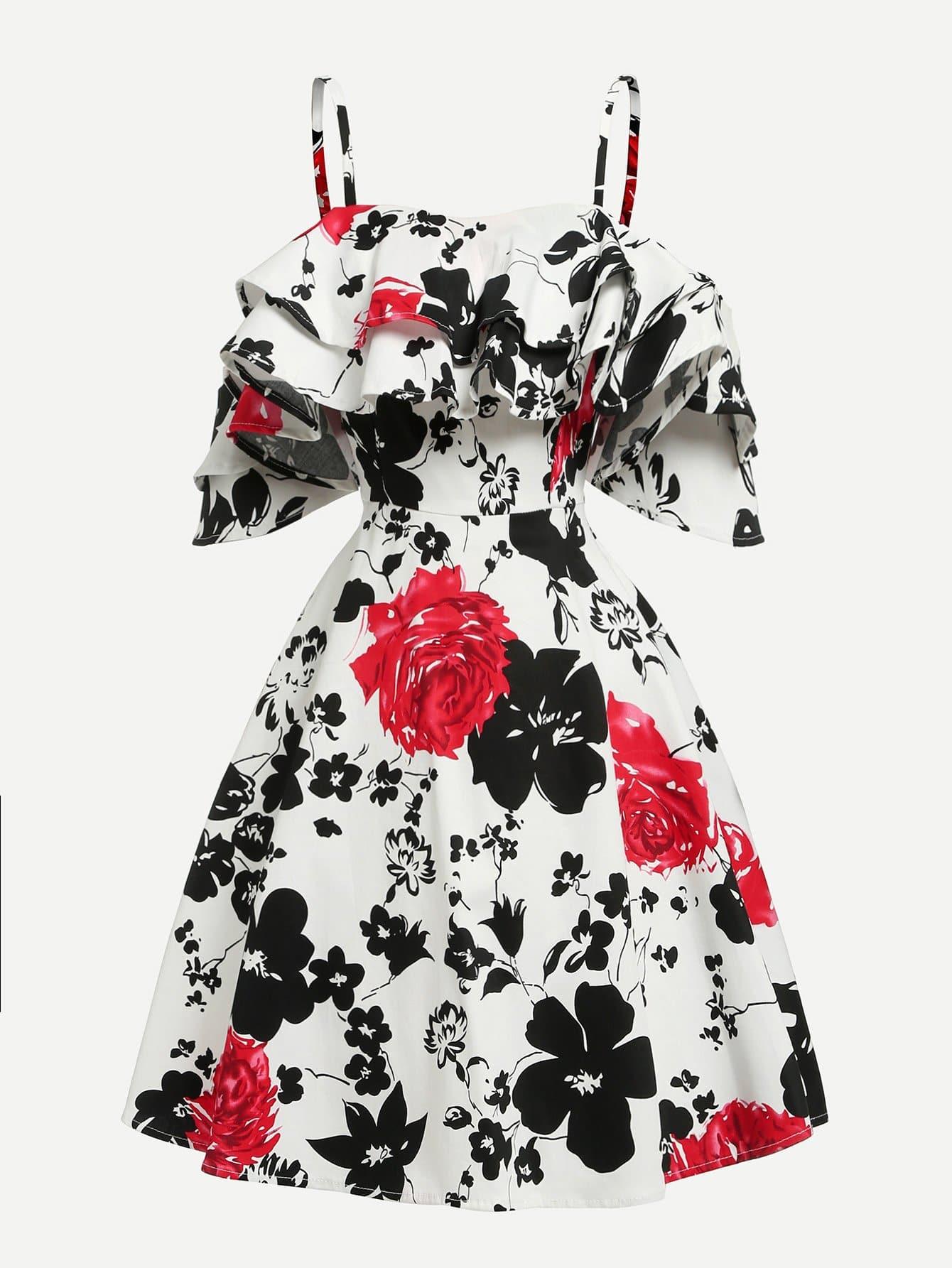 Платье в цветочек с открытыми плечами