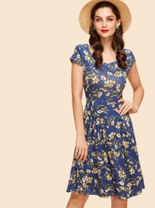 Sweetheart Neckline Floral Print Dress