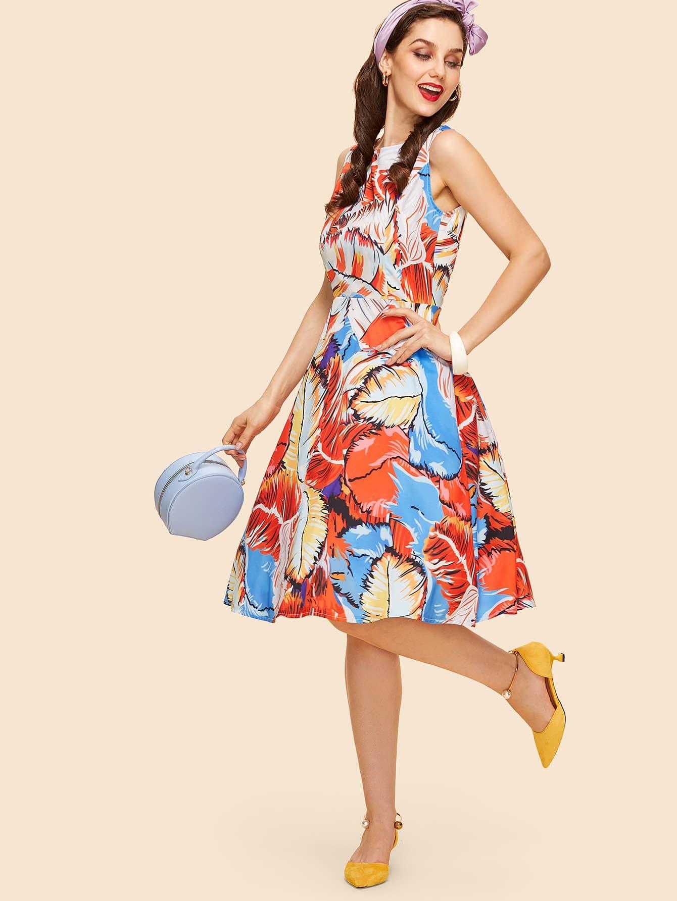 Платье с принтом перо