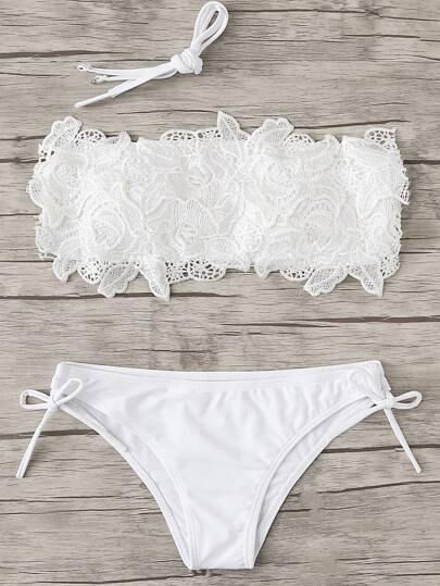 Bikini Set mit Blumenhäkelarbeit Applikation