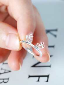 Antlers Design Ring