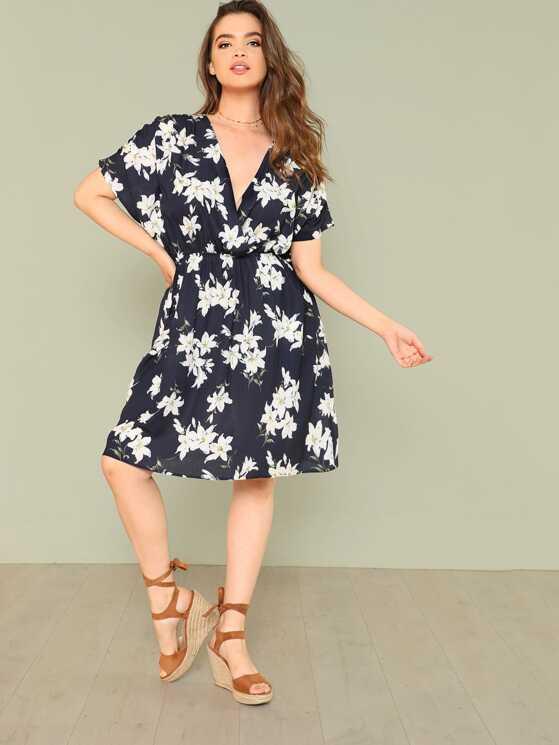 Plus Ditsy Floral Print Wrap Batwing Dress