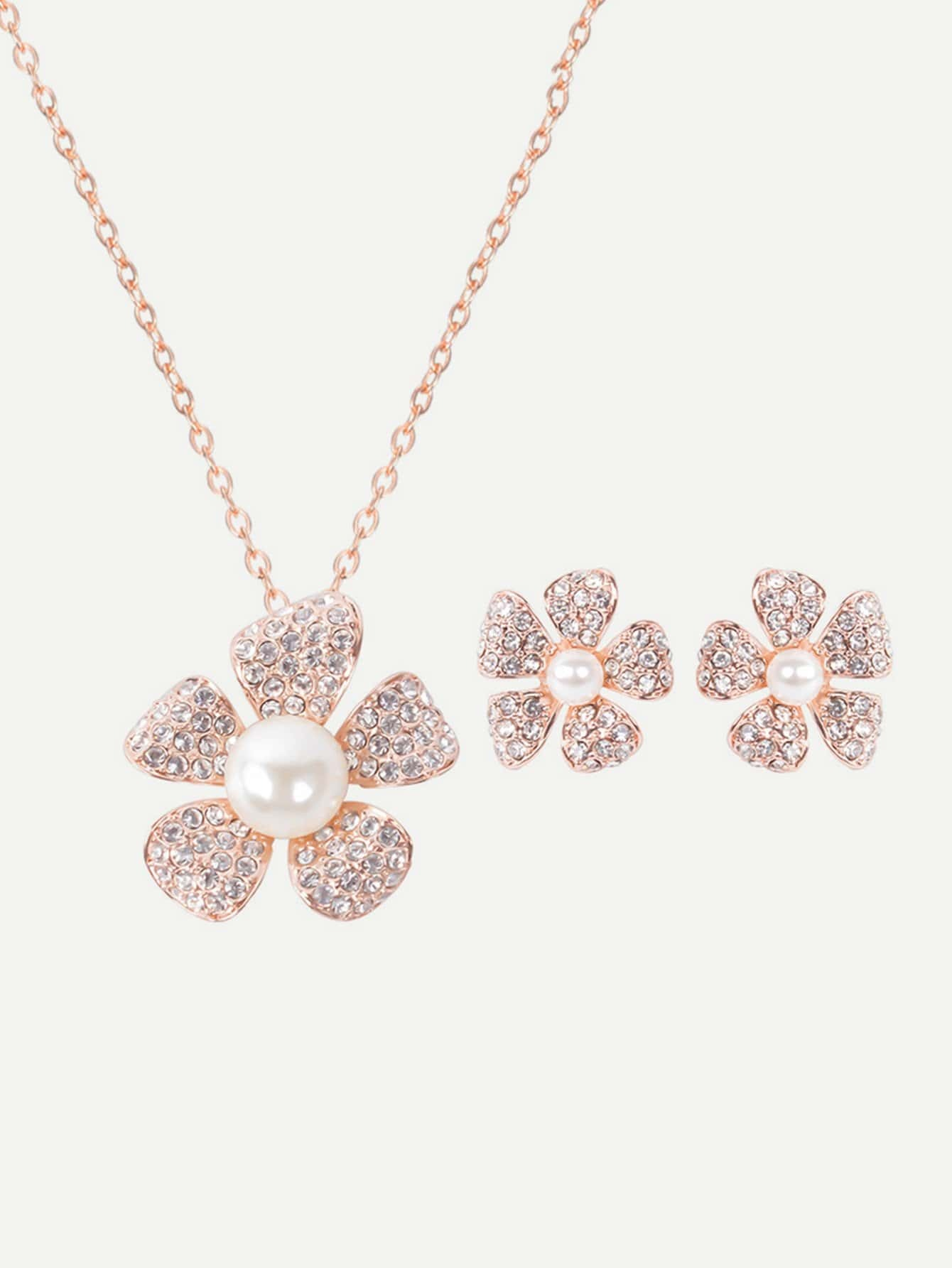 Rhinestone Flower Pendant Necklace And Stud Earrings rhinestone flower design pendant necklace