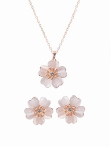 Flower Shape Pendant Necklace And Clip On Earrings