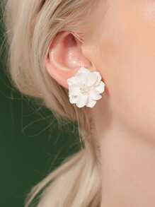 Faux Pearl Flower Stud Earrings