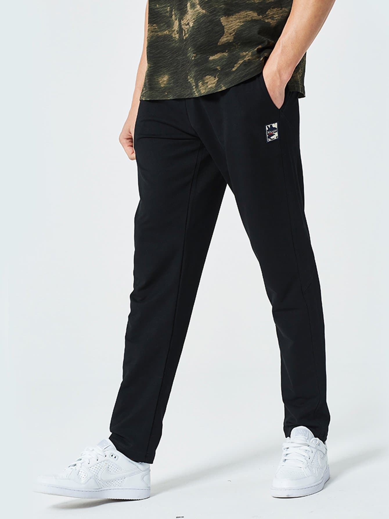 Men Letter Print Drawstring Pocket Pants