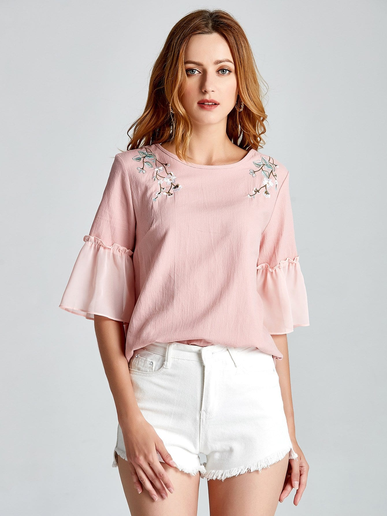 цена на Floral Embroidered Ruffle Sleeve Top