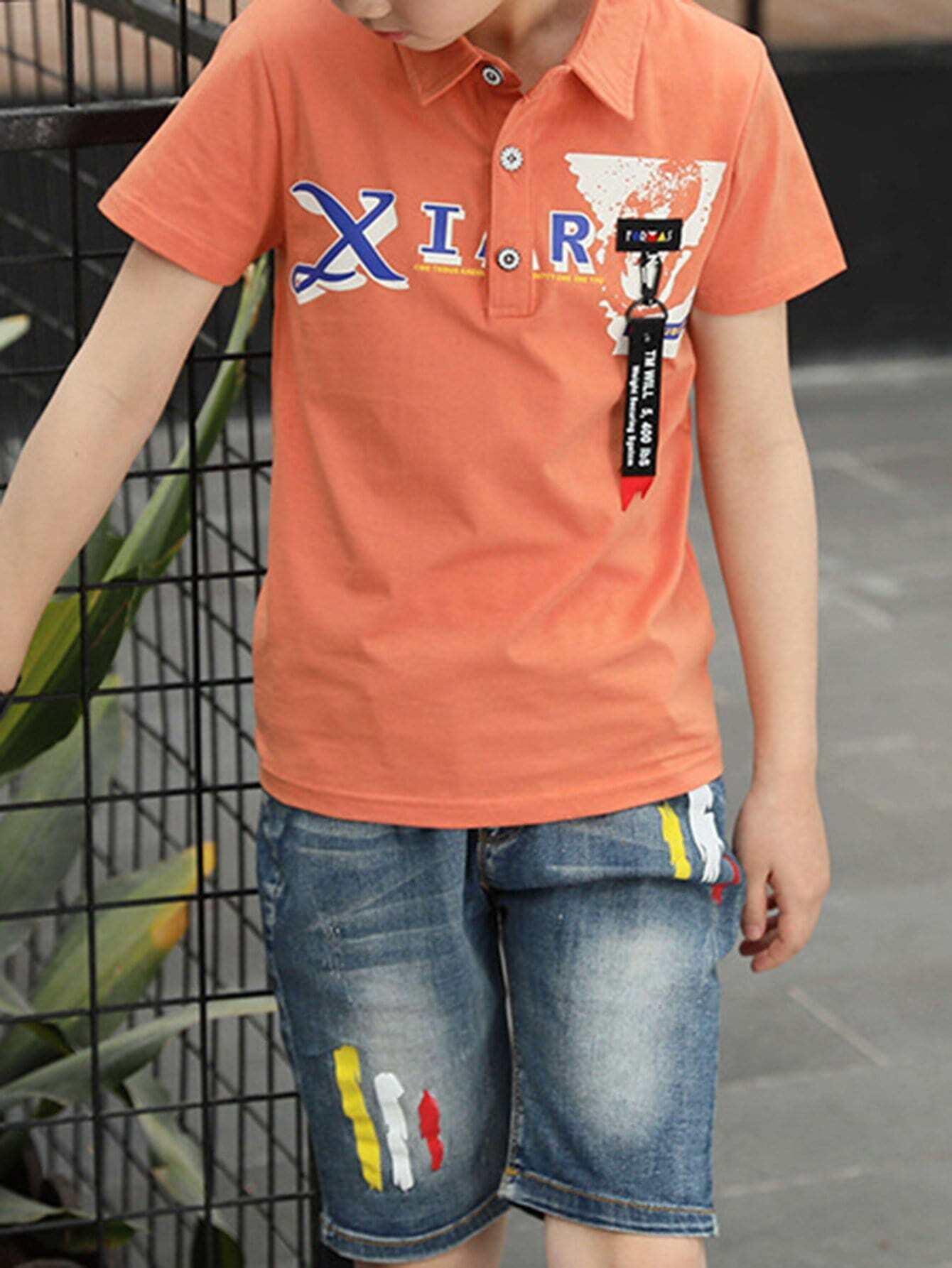 Kids Button Detail Letter Print Tee With Jeans button design tee with pocket