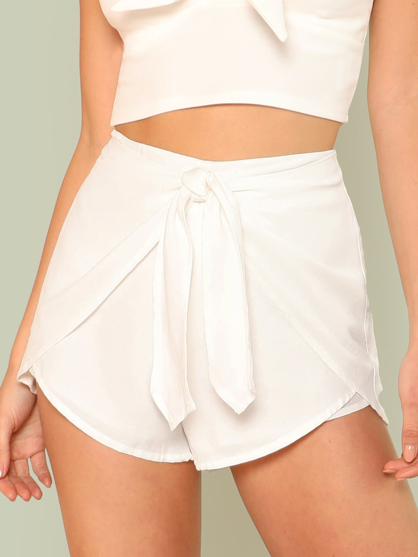 цены Knot Overlap Front Shorts