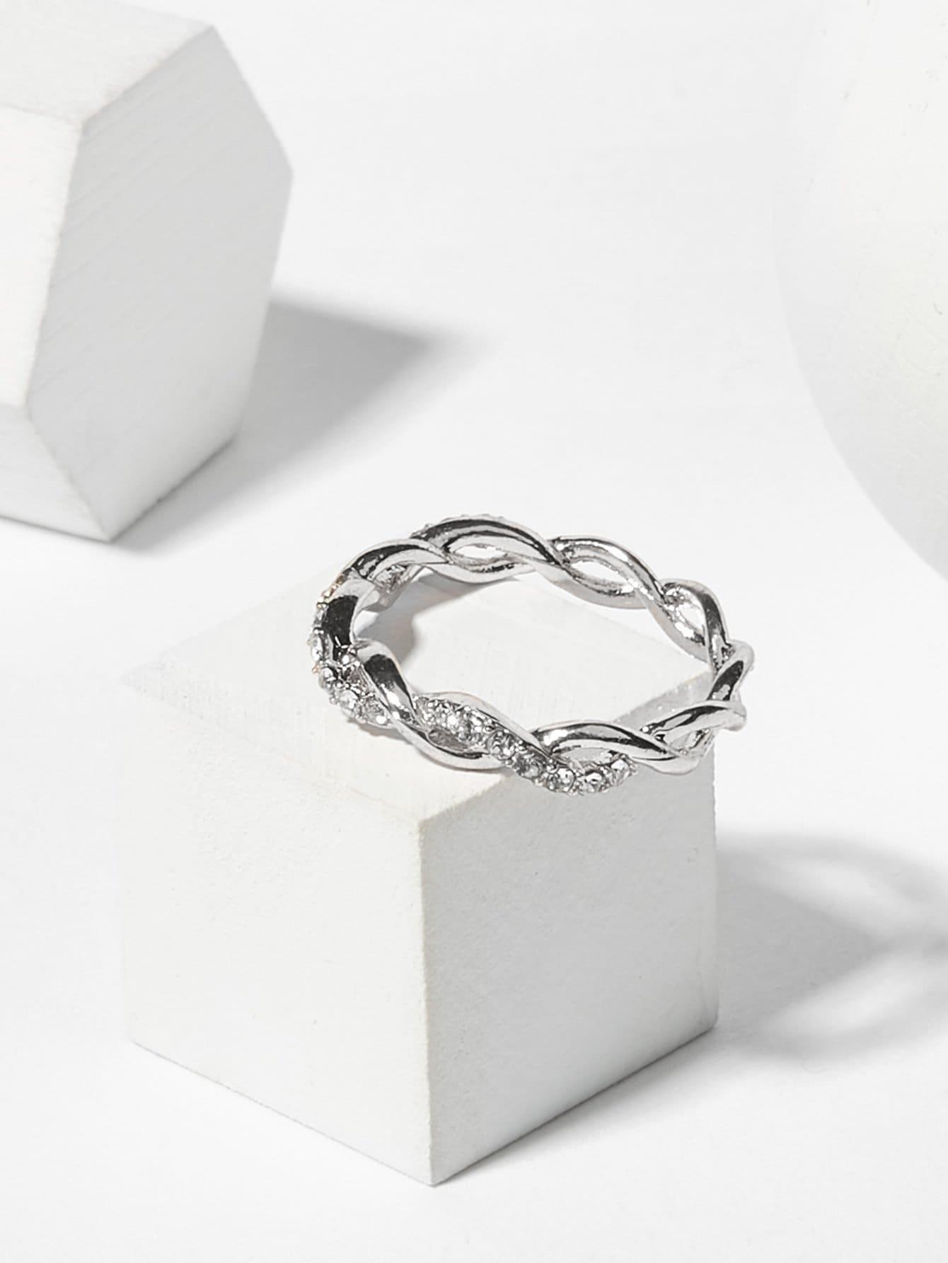 Twist Design Rhinestone Ring