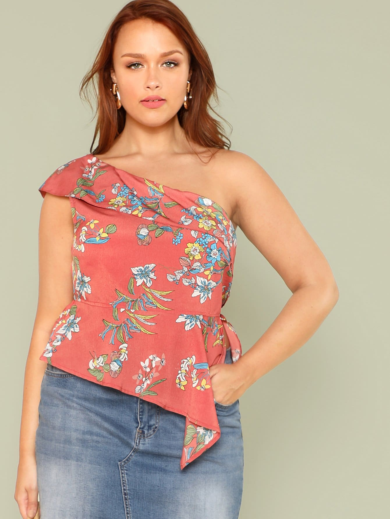 цена Plus Flounce One Shoulder Floral Blouse