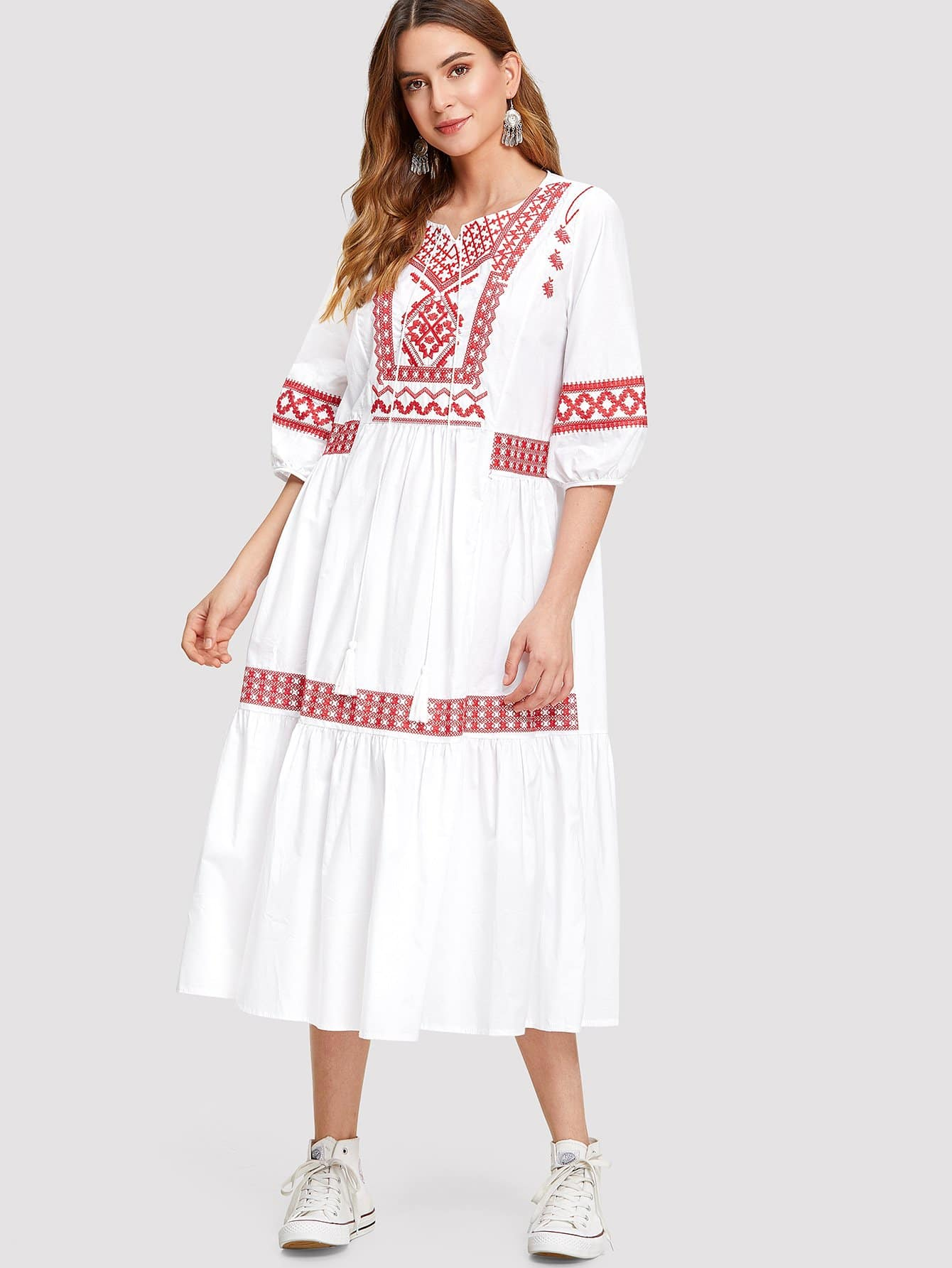 все цены на Tassel Detail Embroidered Dress