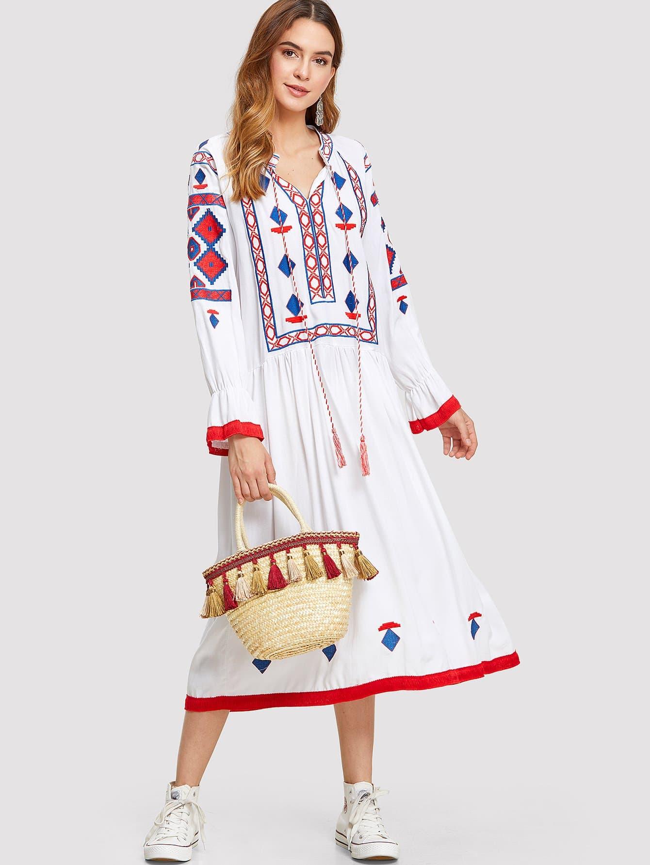 Geo Embroidered Tasseled Dress цена 2017
