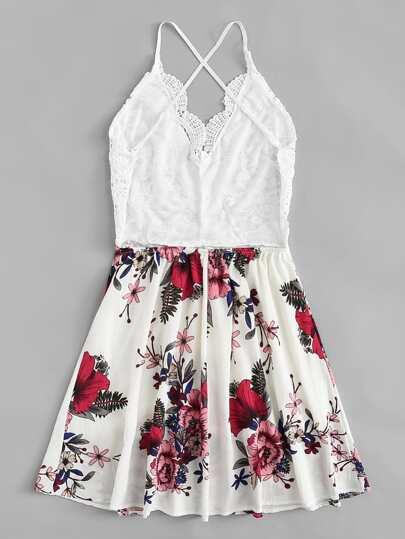 Romwe / Lace Criss Cross Back Floral Dress