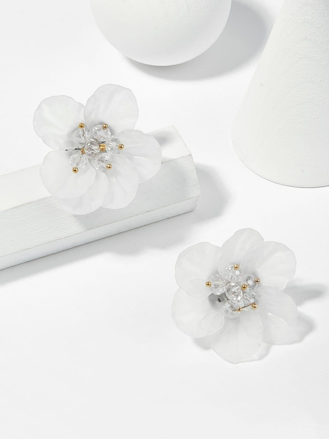 Flower Shaped Stud Earrings waterdrop shaped stud earrings