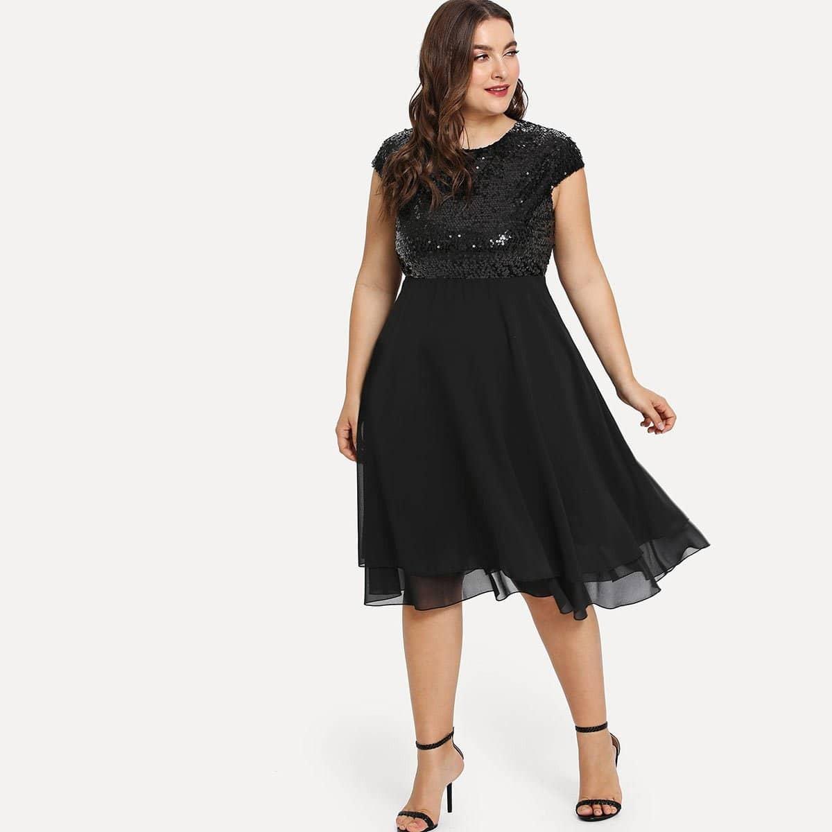 Fit en flare jurk met glitter en gaas